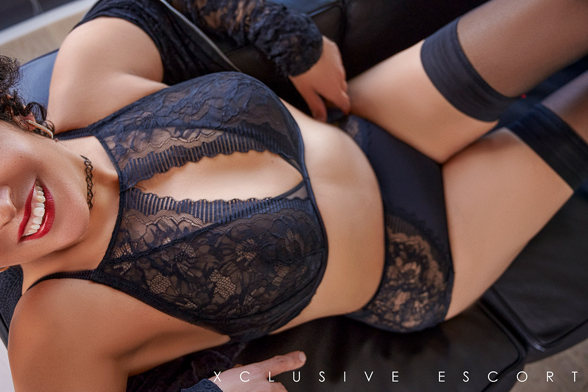 Escort Model Maze by Escort Berlin in hot black Lingerie