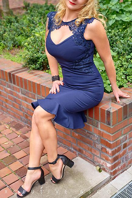Escort Model Annabelle by Escort Hamburg in beautiful Dress