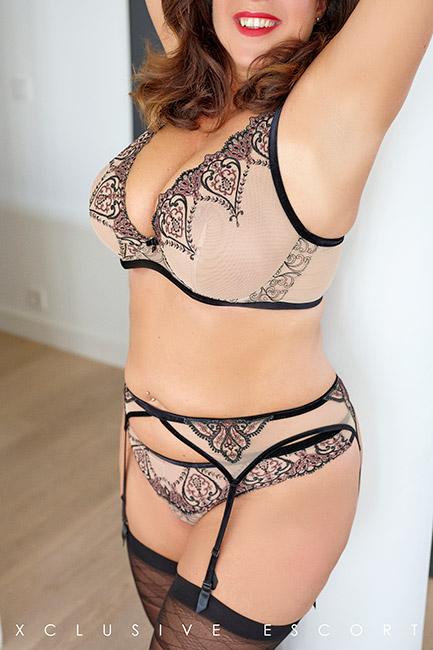 Escort Model Tara byEscort Hamburg in wonderfully sexy lingerie